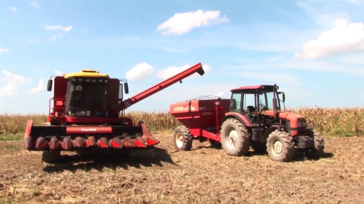 The Pedro Camejo Company looks to provide agricultural machinery to small and medium sized farmers to increase productivity. (Tatuy TV)