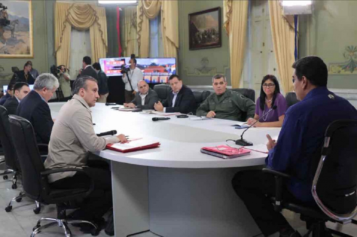 Maduro meets with his economic cabinet, making announcements to the country (Miraflores Press)