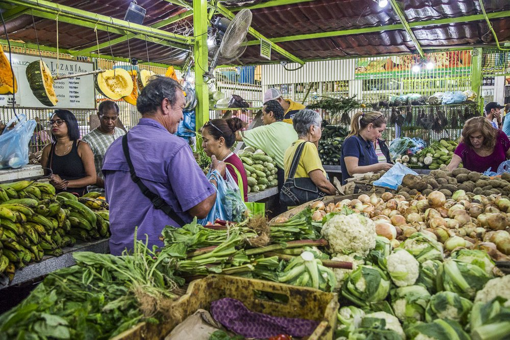 A Caracas market, where fruits and vegetables produced by campesinos are always available. (Archive)