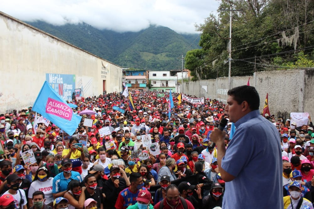 PSUV candidate Jehyson Guzman assembles in Merida State in violation of social distancing norms established by electoral authorities. (Dario Vivas Command Center)