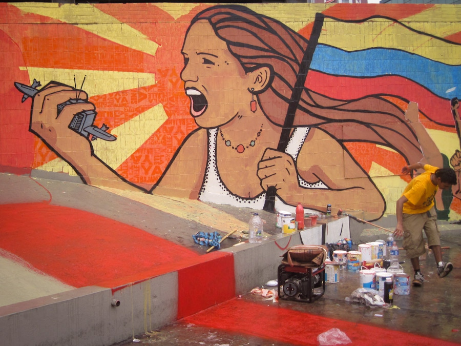 Mural a la Mujer Antiimperialista / Mural to the Anti-imperialis Woman, Caracas, Venezuela. (Art Attack)