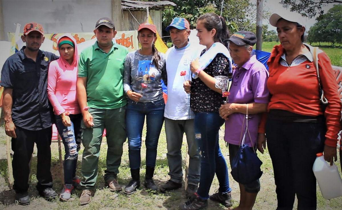 Family members of the victims were present for the tribute in Barinas.