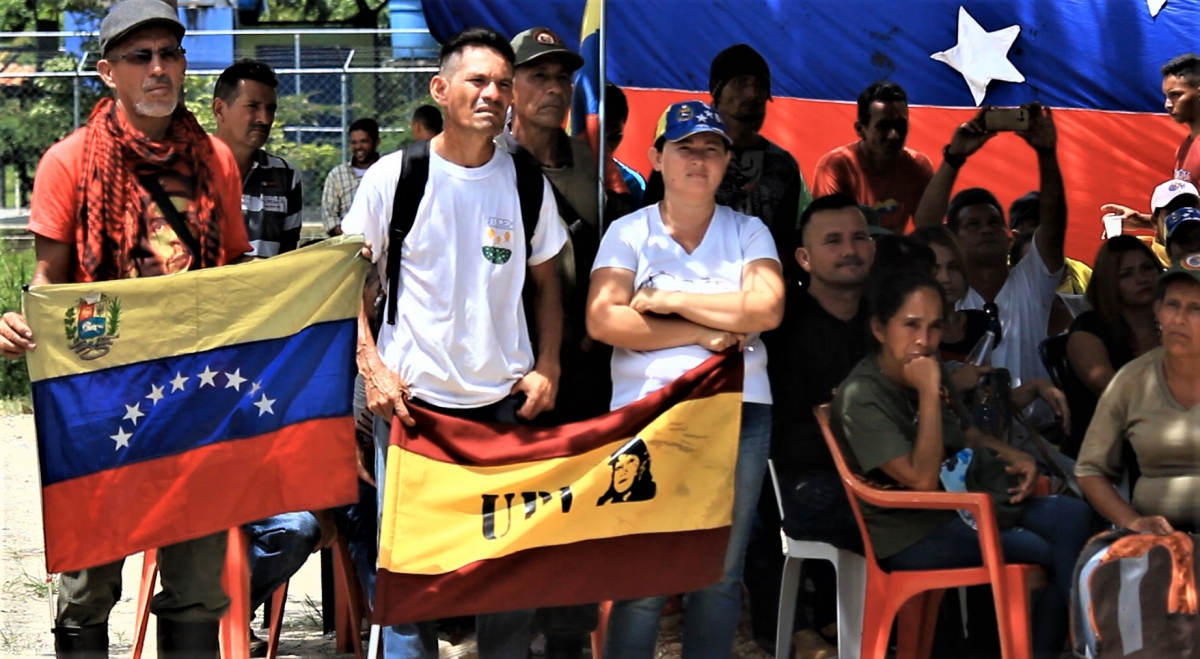 Political leaders and militants of different chavista political parties were also present.