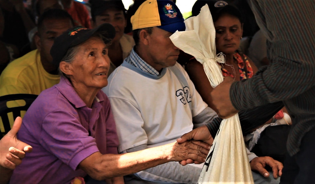 Commune El Maizal presented Kevin Nava's mother with corn meal.