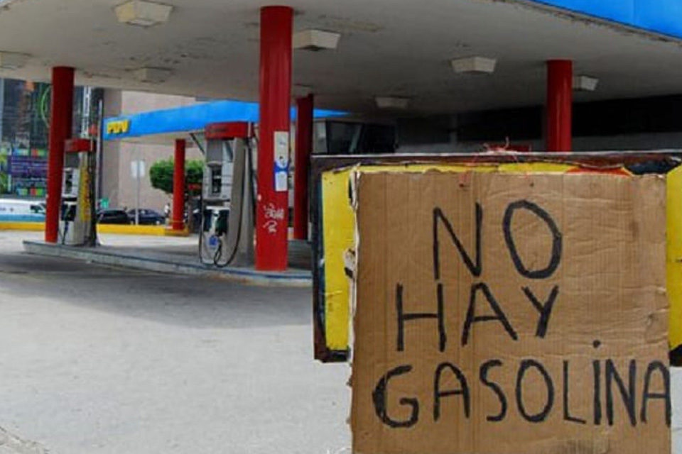 Sanctions against Venezuela have exacerbated pre-existing economic ills in the country and caused severe fuel shortages. (Archive)