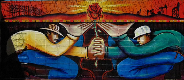 Mural representing the alliance of workers and peasants. (Archive)