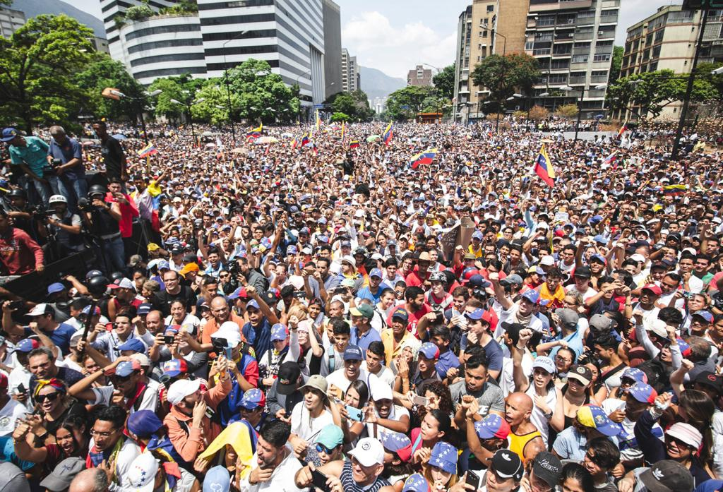 "Opposition supporters mobilized in eastern Caracas in support of self-proclaimed ""Interim President"" Juan Guaido. (@jguaido)"