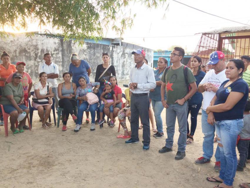 A community meeting in Santa Teresa, San Fernando de Apure. (Katherine Delgado)
