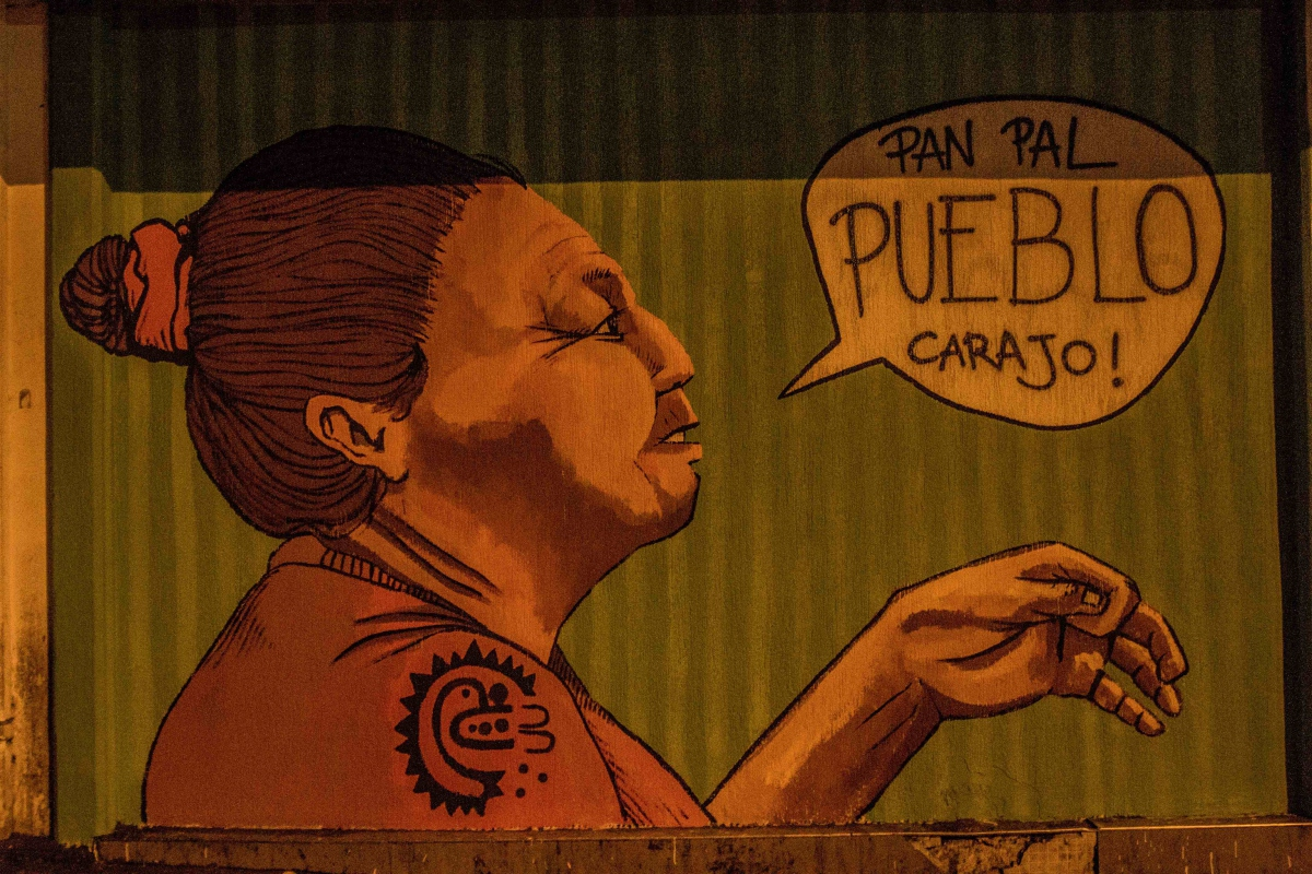 "A Comunidades Al Mando/La Minka mural in Caracas reads ""Bread for the people, dammit!"" (Alba Ciudad)"