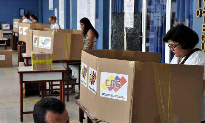 Venezuela's voting system has both a digital tally and a physical receipt tally. (El Impulso)