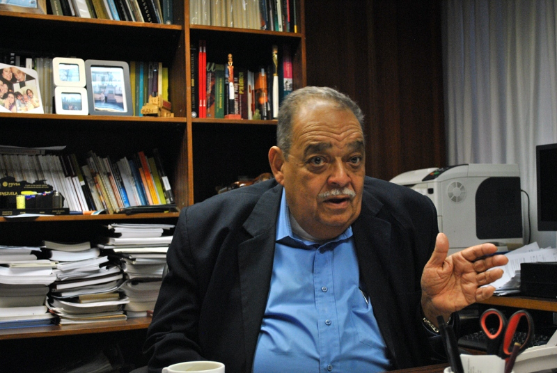 Carlos Mendoza Pottella in his office in Venezuela's Central Bank (BCV). (Sintesis)