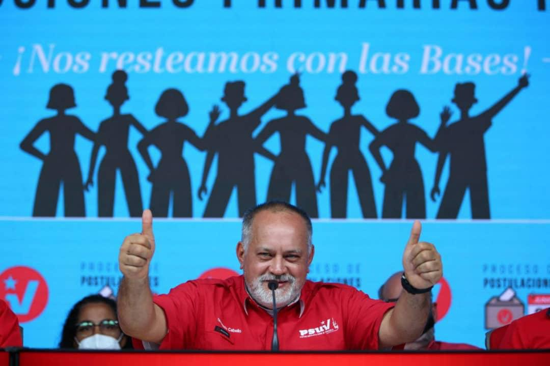 Party leader Diosdado Cabello celebrates the successful realization of party primaries during a press conference (@NicolasMaduro /Twitter)