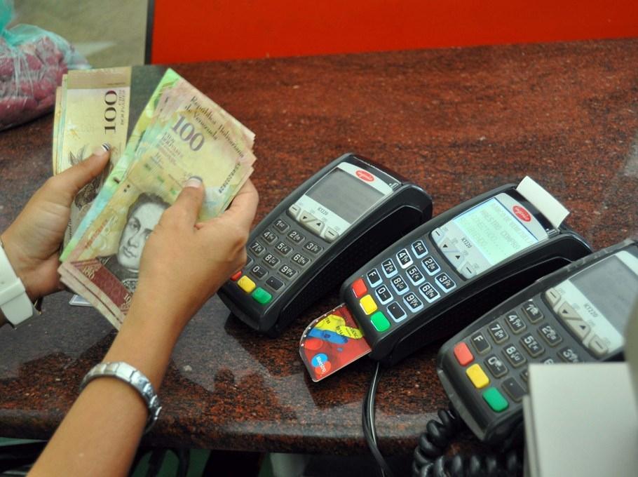 Debit card payments have become ubiquitous in Venezuela. (Archive)