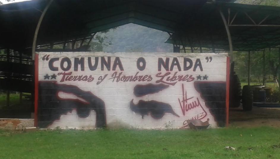 """Commune or Nothing – Free Men and Free Land,"" mural in El Maizal. (Ricardo Vaz)"