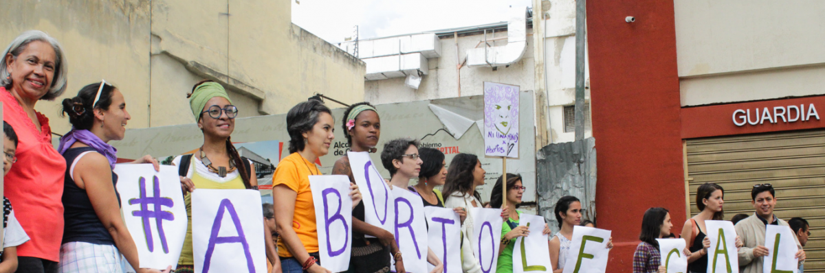 On June 18, diverse feminists groups concentrated in front of the National Constitutive Assembly demanding to be heard