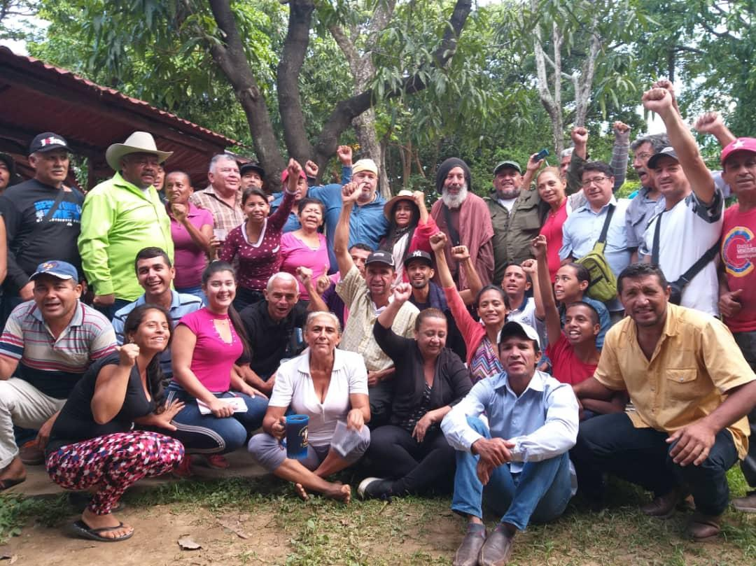 Activists from other social movements joined the campesinos in solidarity on Tuesday. (@Lucha_Campesina)