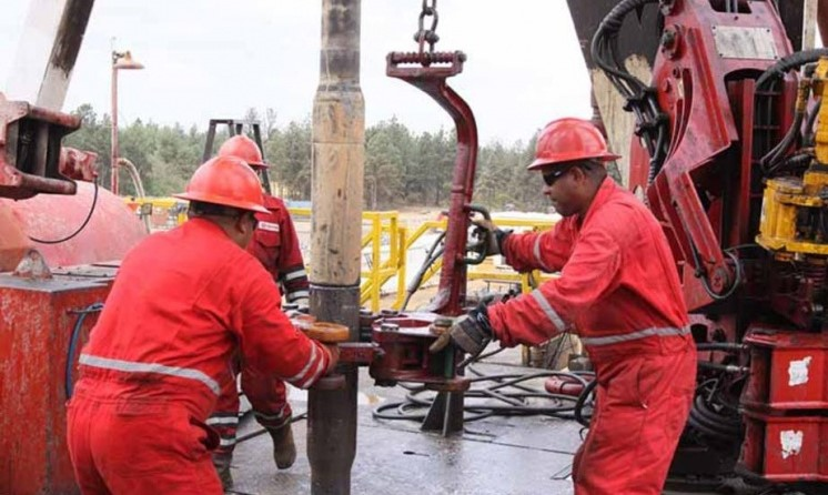 Venezuelan oil workers have recently secured a new collective contract. While government sectors applauded the much increased net incomes, autonomous unions pointed out the sharp rise in wage-replacing bonuses to the detriment of workers' rights. (Archive)