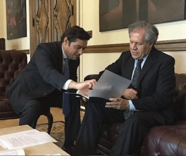 Vecchio coaching OAS Secretary General Luis Almagro. (Archive)
