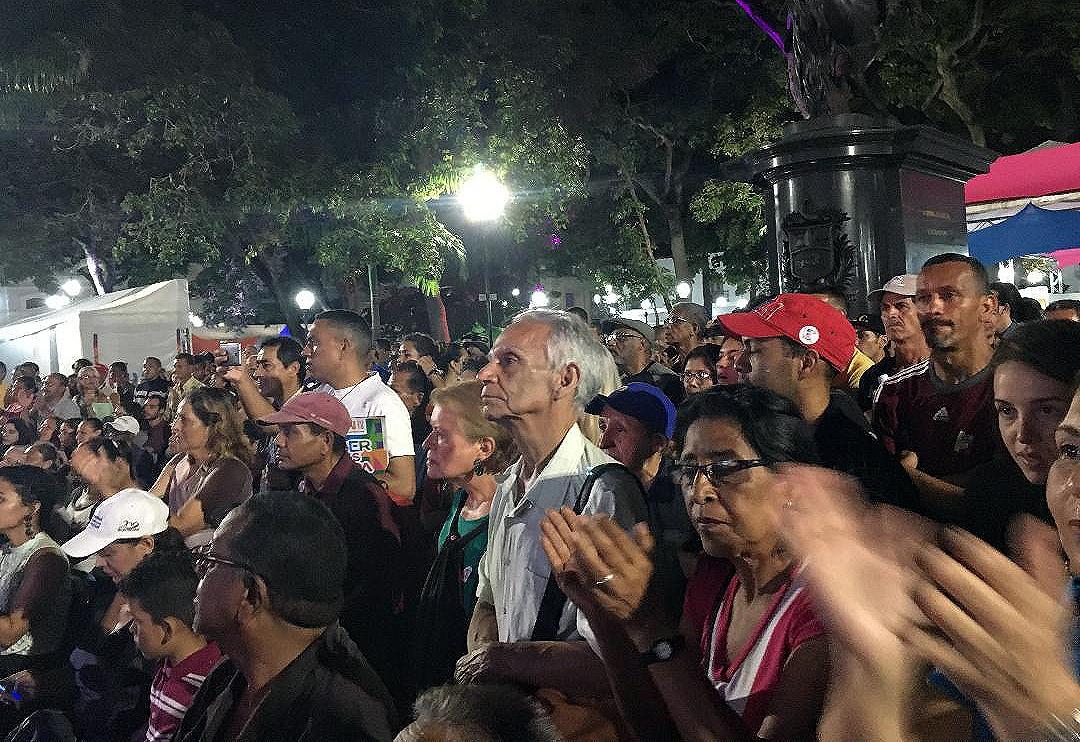 Venezuelans enjoying a concert during this year's Filven book fair. (Alicia Jrapko)