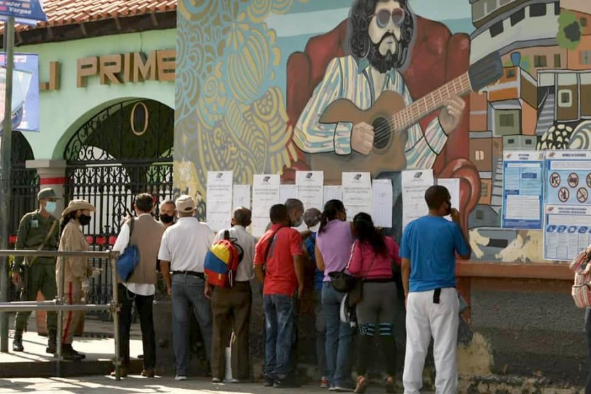 Voting in Venezuela's elections. (PSUV)