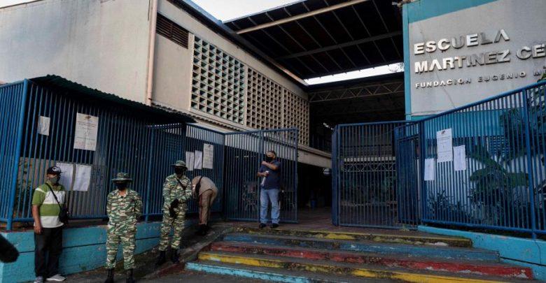 The empty-looking Martinez Centeno School voting centre in Caracas. (El Tiempo)