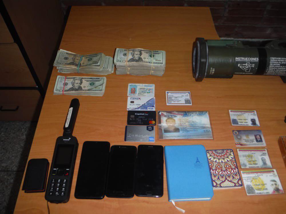 Confiscated items from US ex-marine Matthew John Heath. (Tareck William Saab)