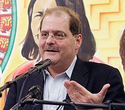Ambassador Bernardo Alvarez Herrera during a lecture at the Portland Central America Solidarity Comittee. Photo Credit: Chris Leck