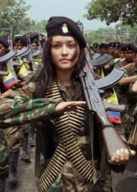 Female FARC soldier in Colombia (Aporrea)