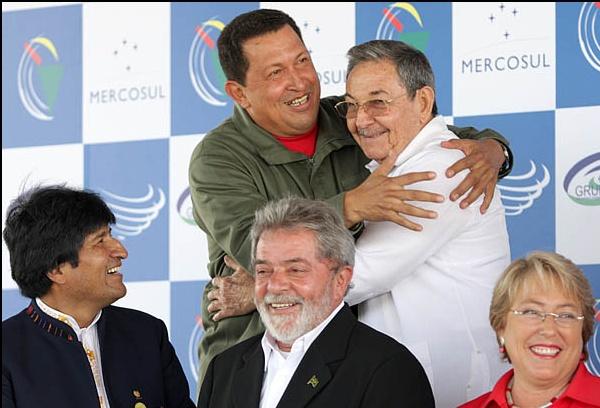 Venezuela's Chavez hugs Cuba's Raul Castro