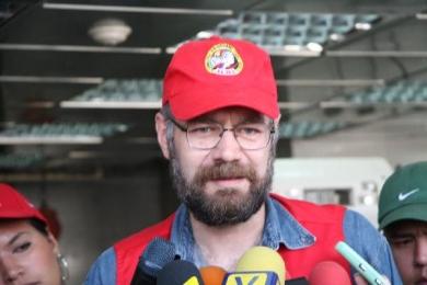 """""""Trade Minister Eduardo Saman speaks to the media about anti-speculation measures (Aporrea)"""""""