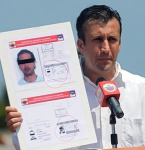 Minister Tarek El Aissami announcing the capture of the Colombians