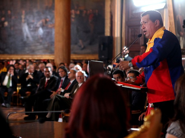 President Chavez addresses the National Assembly and his Council of Ministers (AVN)