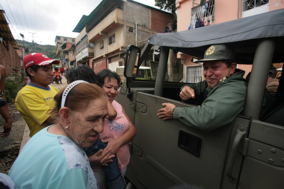"""""""They told me that some don't want to leave [this town] until the president comes, well here I am,"""" said president Chavez this afternoon, urging residents to evacuate before more rain comes (Prensa presidencial)."""