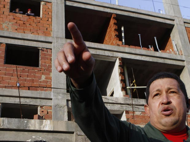 Venezuelan President Hugo Chávez Speaking at a Construction Site (Archive)