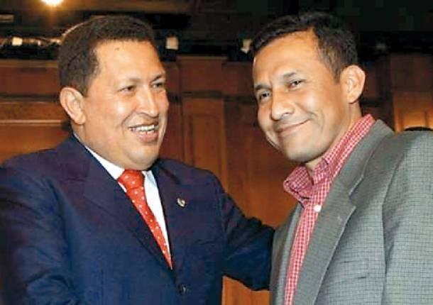 Venezuelan President Hugo Chavez with Peruvian president-elect Ollanta Humala (Photo: Archive)