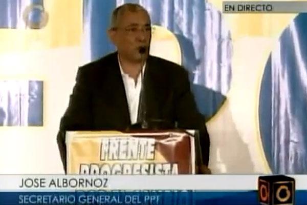 PPT Secretary General José Albornoz speaks at the 2 June 2011 inauguration of the Progressive Front for Change, or Frente Progresista por el Cambio (Globovision)