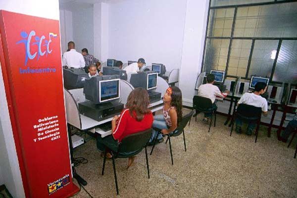 Venezuela's publicly-owned and operated Infocentros provide computer and internet access to the Venezuelan people at no cost to users (Archive).