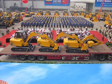 Machinery from China for housing construction, a result of a bilateral agreement between Venezuela and China, arrived last night (Minci)