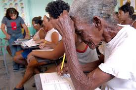 The Eclac report confirmed that through its social missions, Venezuela had reduced poverty by 50% (embajadavenezuela.cl)