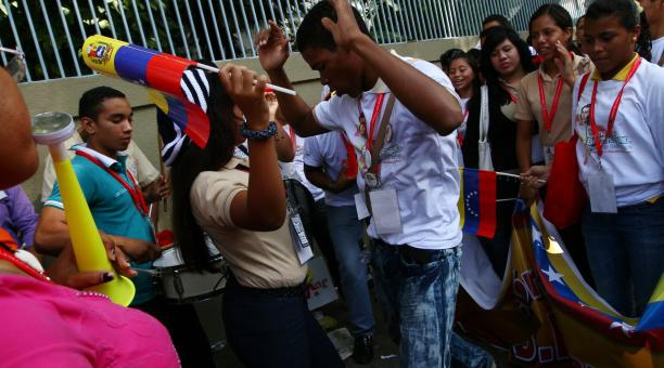 Over 20,000 students participated in the March in Caracas on Monday (AVN)