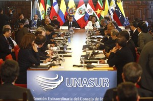 Latin American presidents met last week at the UNASUR summit in Paraguay (laradiodelsur)