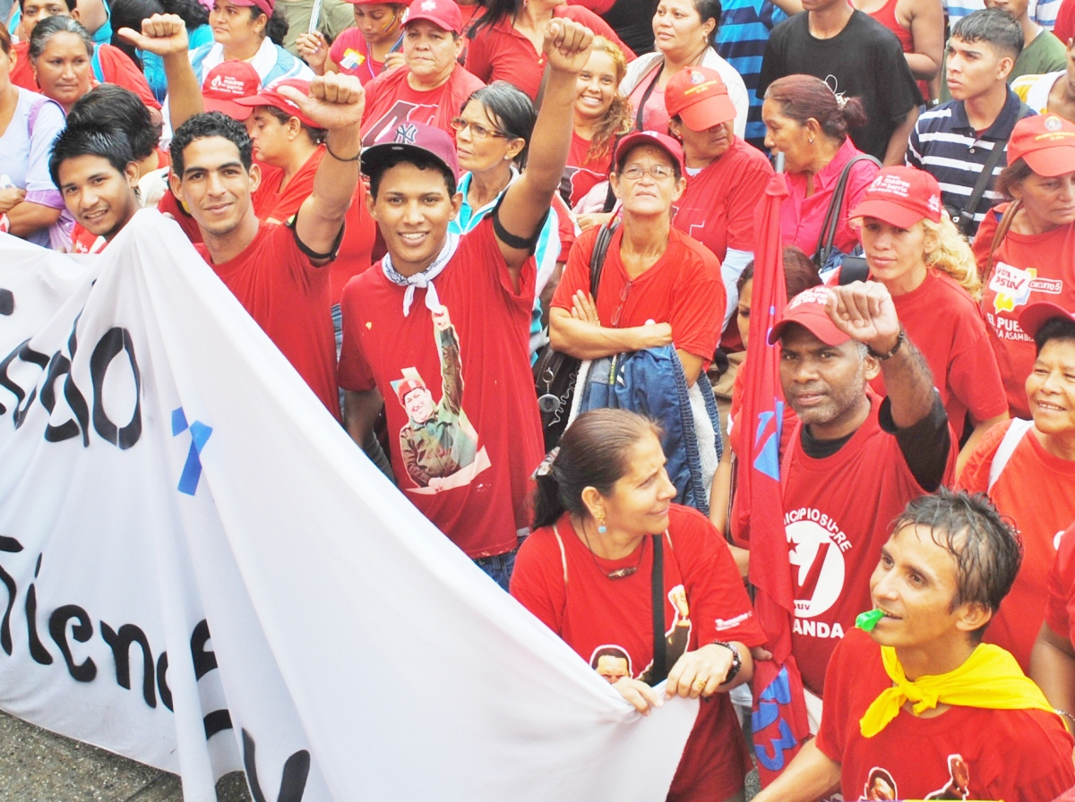 The capital was flooded by tens of thousands of government supporters, who had turned out to commemorate the historic event (Rachael Boothroyd/Venezuelanalysis)