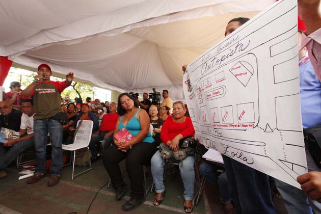 Community representatives put forward proposals yesterday for the conversion of La Planta into a community space (Emilio Guzman/AVN)