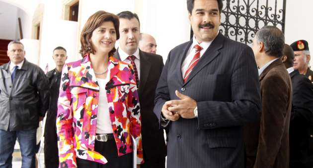 Colombian Foreign Minister Maria Angela Holguin with Venezuelan Foreign Minister Nicolas Maduro (AVN)