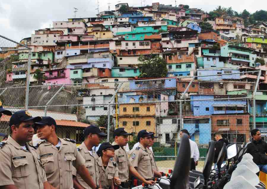 Venezuela's new Bolivarian police force in barrio Mamera in Caracas (Rachael Boothroyd/Venezuelanalysis)