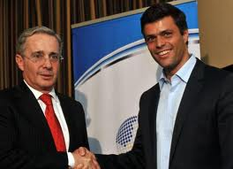 Uribe with the MUD's Leopoldo Lopez (Laradiodelsur)
