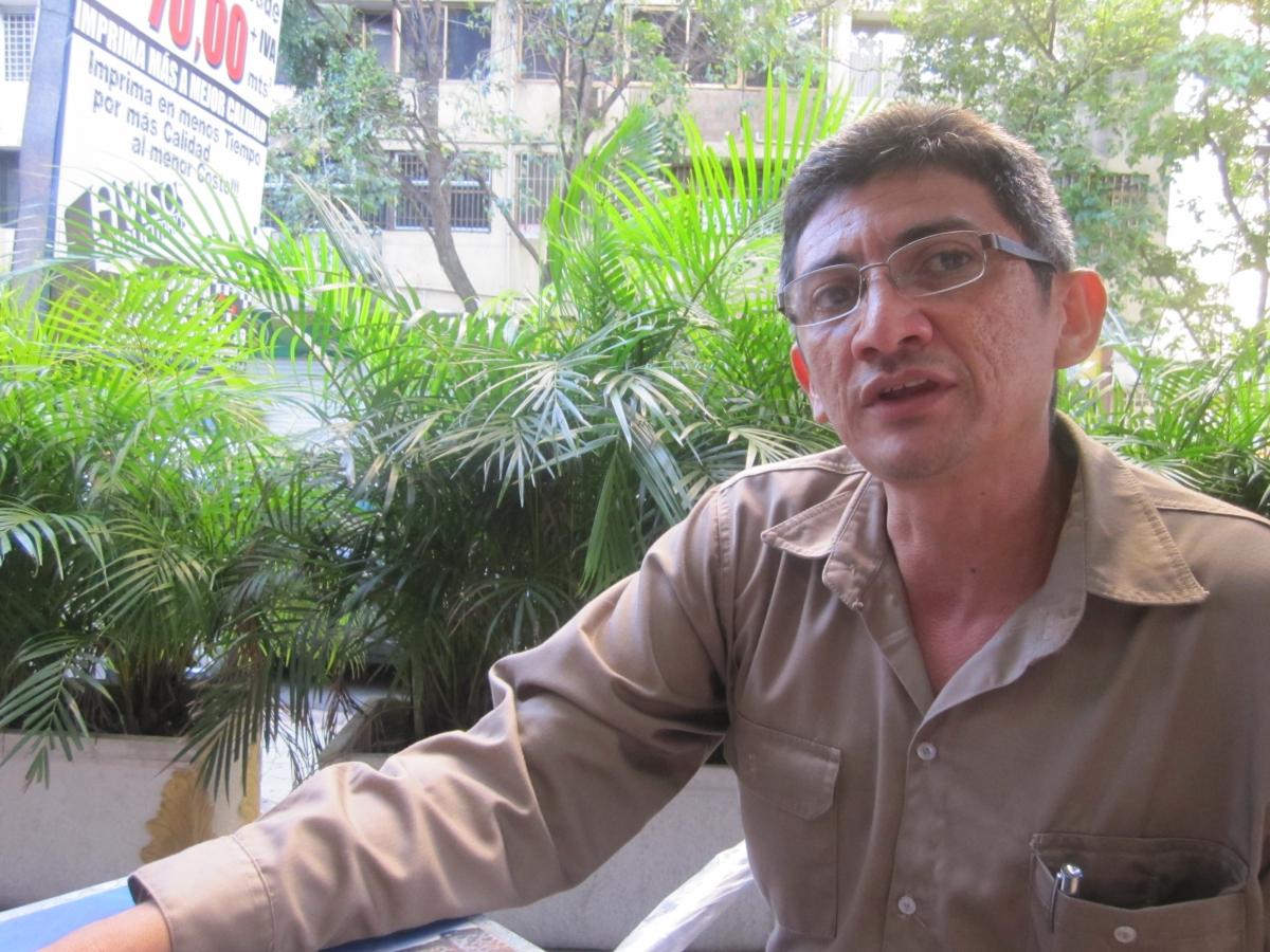 Ferrominera worker Alexis Ardrfio, December 2011 (Ewan Robertson)