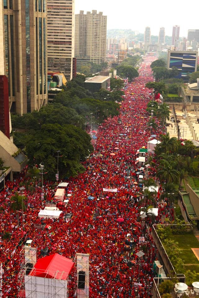The BBC underplayed the size of Chavez's final campaign rally in Caracas (laiguana)