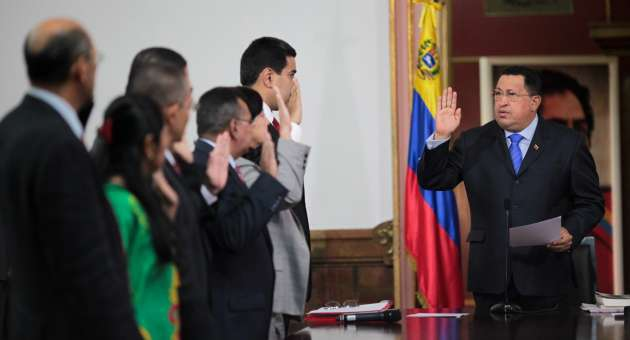 Hugo Chavez swore in the new members of his cabinet team on Saturday (AVN)