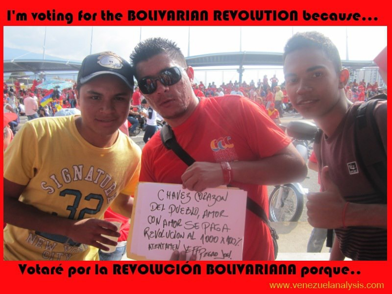 """Chavez, heart of the people. Love is paid back with love. Revolution at 1000x 100%. Signed (names)."""